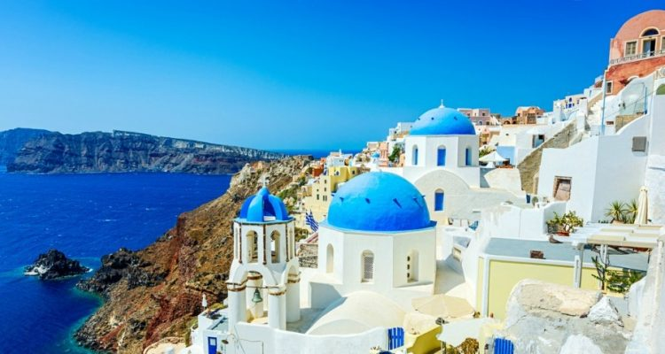 Private-santorini-transfers-when-luxury-lives-on